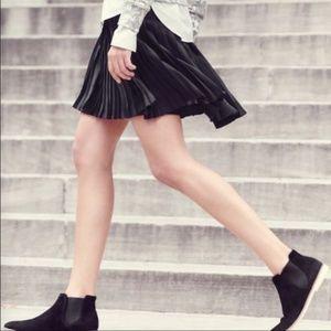 J. Crew Black Pleated Lattice Skirt Size 8